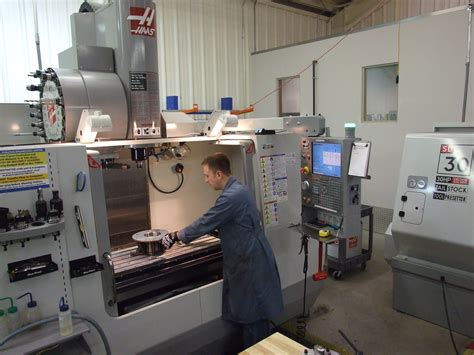 File:NREC Machine Shop Workstation   Wikimedia Commons