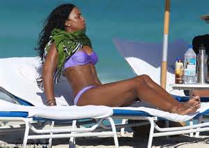 kelly rowland covers up fantastic body to enjoy