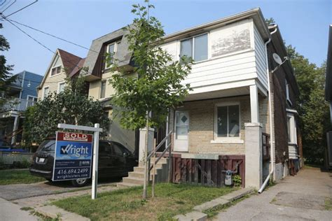 Small Houses For Sale Gta Toronto Real Estate Headlines In 2015 Include 1m Shack