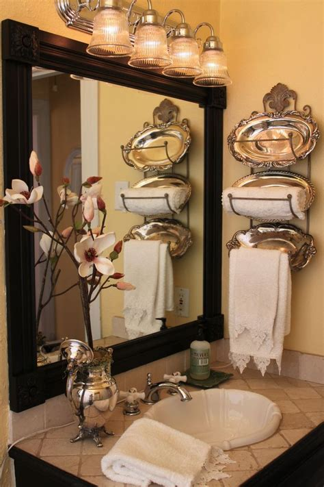 creative bathroom decorating ideas 25 best ideas about towel display on pinterest