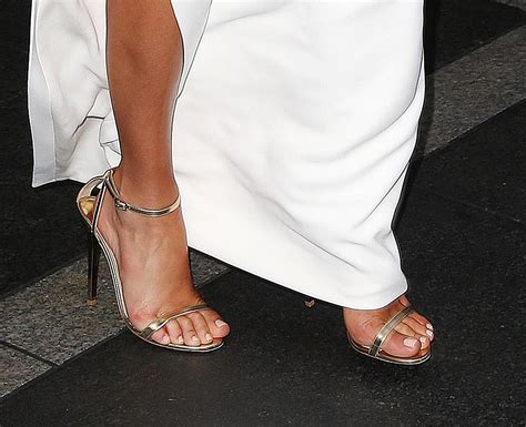 toes shoes margot robbie foot and shoes