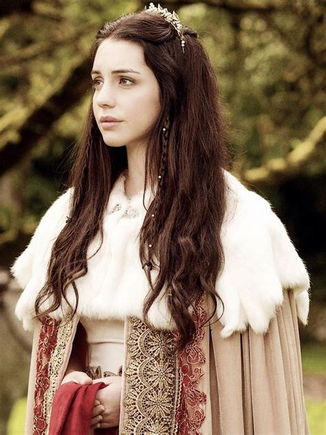reign hair reign on cw adelaide kane as mary queen of scots
