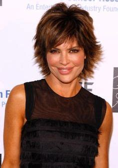 lisa rinna hair and round face 1000 images about hairstyles on pinterest short