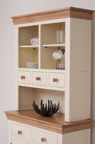 Country Cottage Furniture Uk by Country Cottage Oak And Painted Dresser