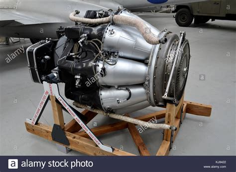 rolls royce jet engine royce aircraft engine stock photos royce aircraft engine