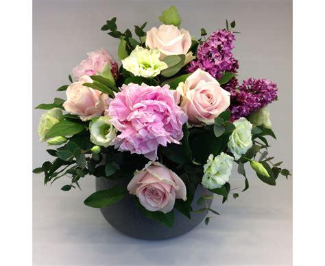vaso di ceramica vaso in ceramica con composizione floreale cosaporto it