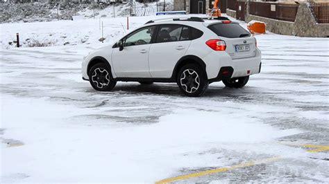 Subaru Crosstrek Snow by Subaru Xv 2016 Snow Breaking On