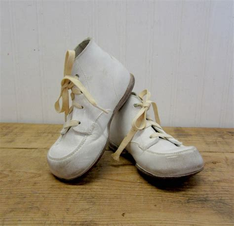 white baby shoes vintage soled stride rite white leather baby shoes