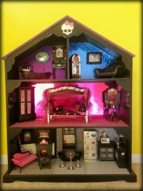 monster high doll house ideas doll house beds couch furniture and monster high dolls on pinterest
