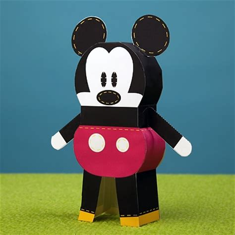 Disney 3d Papercraft - mickey mouse pook a looz paper doll disney family
