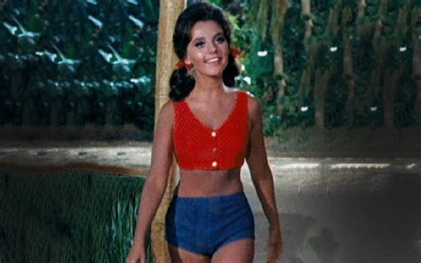 dawn commercial actress poutine dawn wells navel