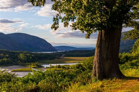 the hudson river valley hudson highlands ny storm king mountain photographs of mountains