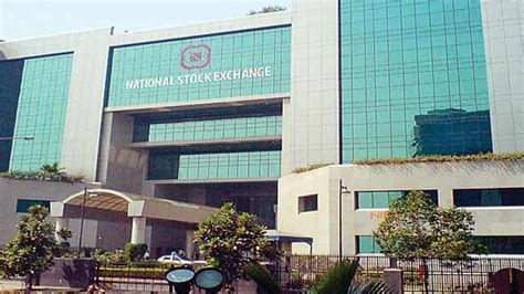 National Stock Exchange Mba Courses by Nse Signs Agreement With Banaras Hindu To Offer