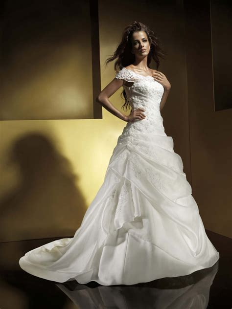 a line cap sleeves chapel train organza wedding dresses