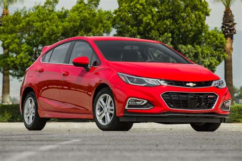 chevy cruze 2017 chevrolet cruze lt hatchback test review