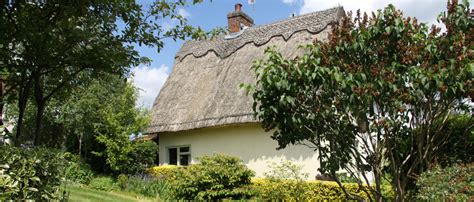 Country Cottage Holidays Uk Thatched Country Cottages In Suffolk