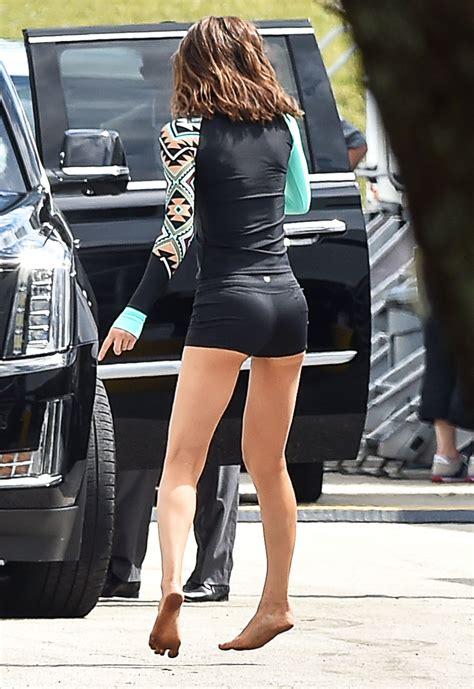 Alexandra Daddario Pokies On The Set Of Quot Baywatch Alexandra Daddario Pokies 47 Photos Thefappening