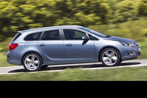 Opel Astra Sport by Auto Cars 2011 2012 New Opel Astra Sports Tourer Unveiled