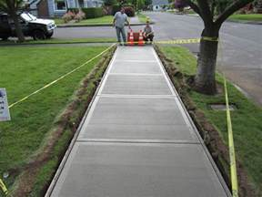 how to pour a concrete sidewalk sidewalk concrete and walkways