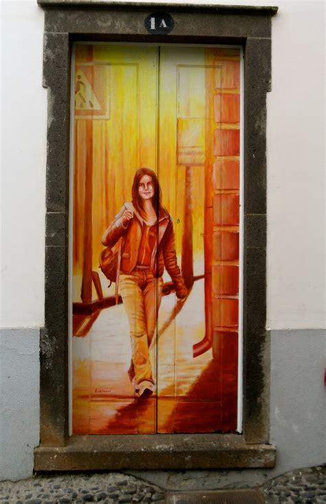 doors of the painted doors of funchal