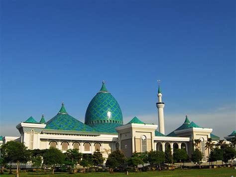 masjid al akbar surabaya indonesia azi achmad