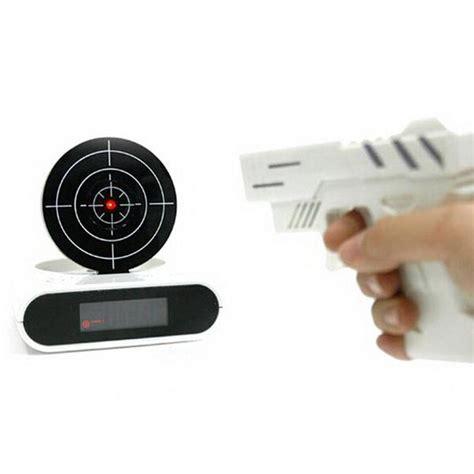 Jam Alarm Unik jam weker unik dengan model pistol dan papan tembak