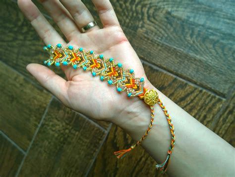 How To Make Handmade Friendship Bracelets - wonderful diy pretty leaf friendship bracelets