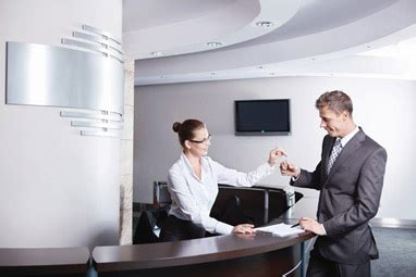 The Role Of The Front Office Manager International Hotel Front Desk Manager