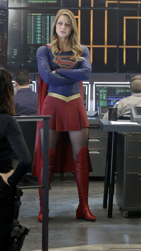 wallpaper  flash supergirl crossover grant gustin