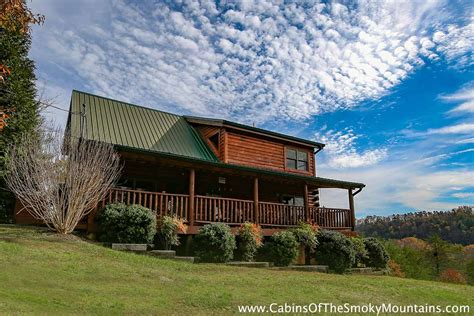 10 bedroom cabins in gatlinburg tn wears valley cabin fox n socks 3 bedroom sleeps 10