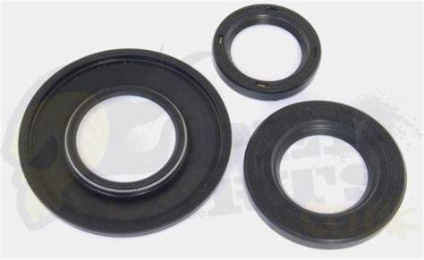 Seal Vespa Engine Seal Set Vespa Px125 200 Pedparts Uk