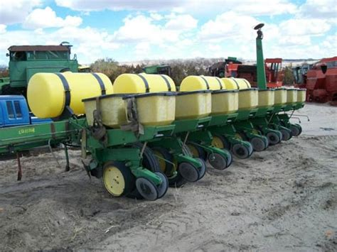 Planter Salvage Yards by Salvaged Deere 7000 Planter Drill For Used Parts
