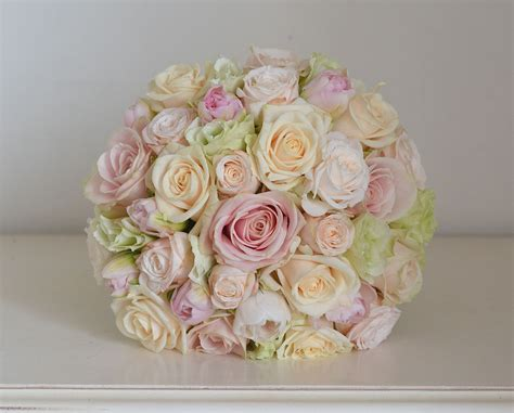 Wedding Flowers Roses by Wedding Flowers S April Wedding Flowers Pale
