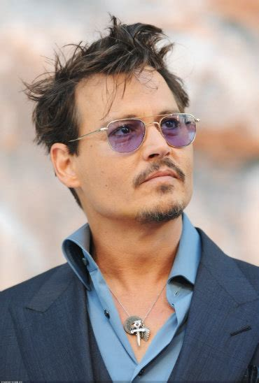 johnny depp biography simple english johnny depp biography photo s video s more