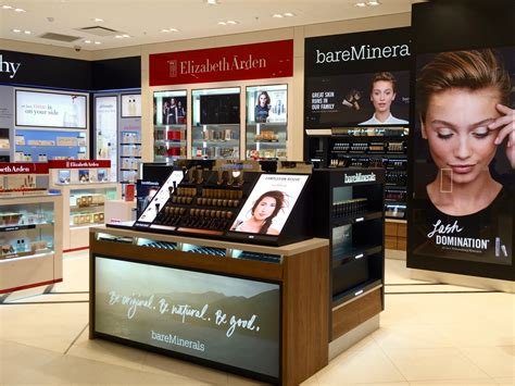 Shiseido Shoo shiseido creates unified travel retail division
