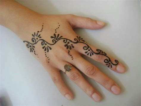 what is a henna tattoo made of henna designs mehndi hennas