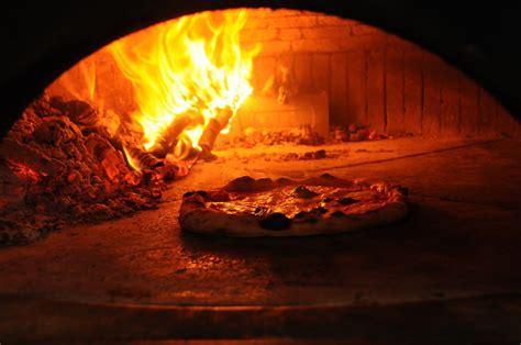 pizza a portar via umorismo per dentiere pizza da asporto con forno a legna