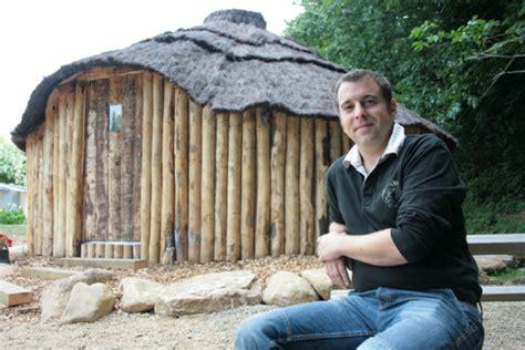 hutte celtique du gling en terre celtique cingactu