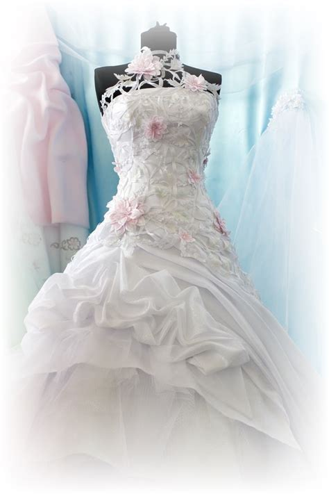 Moline Kronberg Dry Cleaners   Wedding Dress Preservation