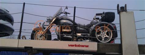Motorrad Transport Per Bahn by Motorrad 220 Berf 252 Hrung Per Offenen Autotransporter Von