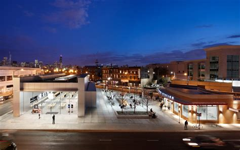 apple store chicago lincoln park cities offer free rent other incentives to bring in an