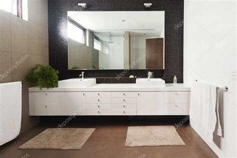 Vanité Contemporaine by Basin Vanity And Mirror In Contemporary New
