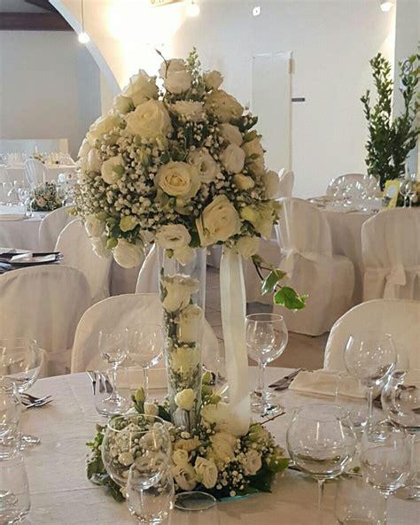 vasi di vetro per fiori pi 249 di 25 fantastiche idee su centrotavola a vaso di fiori
