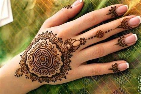 8 Simple Arabic Mehndi Designs For Beginners!