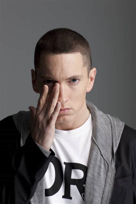 Eminem: Marshall Mathers LP2 ? still misbehaving, still