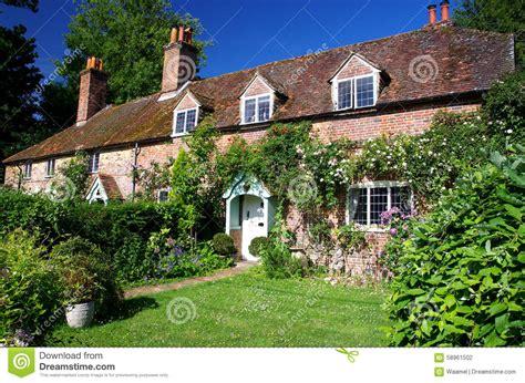 cottage inglesi cottage inglesi fotografia stock immagine di domestico