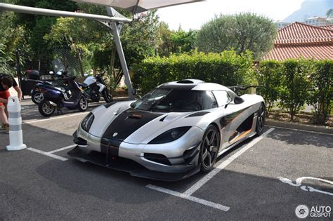 koenigsegg one 1 black koenigsegg one 1 23 august 2016 autogespot