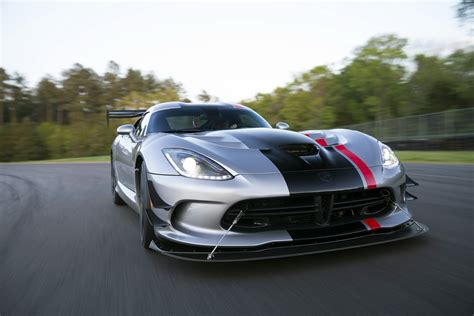 dodge viper 2016 2016 dodge viper acr is the fastest street legal track
