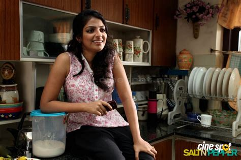young salt and pepper actresses mythili malayalam actress photos 4