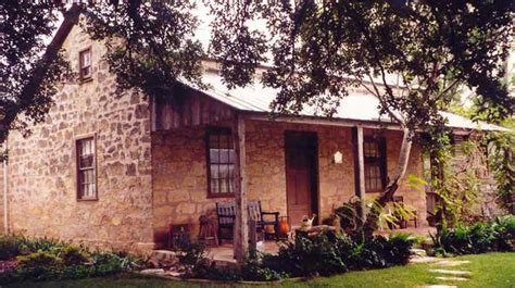 texas white house bed and breakfast bed and breakfast tx the carriage house on orchard the all